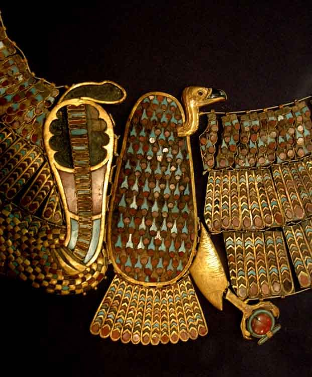 https://i.pinimg.com/736x/16/7c/2d/167c2d1af4a4e72a6e3d8c4fc03744bc--egyptian-jewelry-ancient-jewelry.jpg