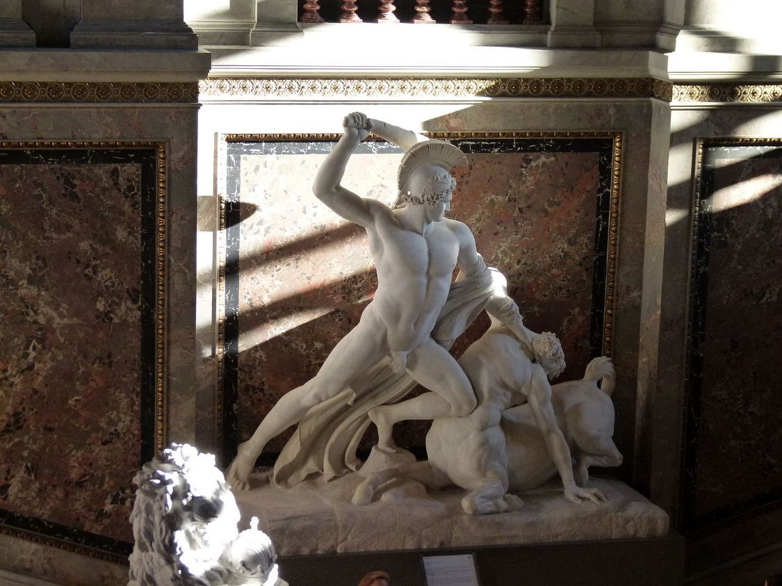 https://upload.wikimedia.org/wikipedia/commons/thumb/e/e7/Canova_-_Theseus_defeats_the_centaur.jpg/1600px-Canova_-_Theseus_defeats_the_centaur.jpg